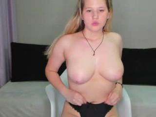 sweet__18__  webcam sex