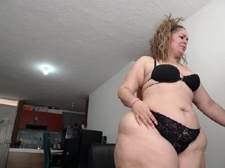 bigkristhen  webcam sex