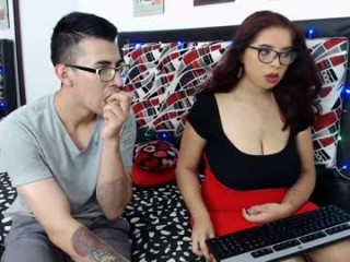 paolaanddaniel has an amazingly, truly remarkably beautiful face and sexy feet that look kissable