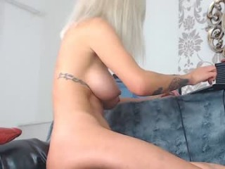 brianabanksxxx has an amazing set of big tits and her awesome ass looks amazing and fuckable