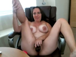 hotwife_autumn uses oil to get all shiny and oily while fucking her tasty holes with toys from her collection