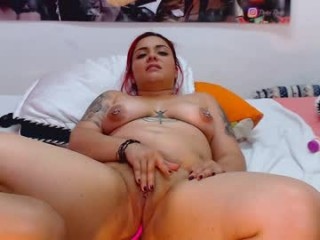 honey_mooon broadcast cum shows featuring this hottie shamelessly getting an incredible orgasm