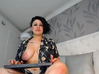 kinnuass  webcam sex
