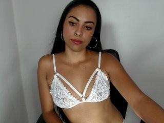 viki-rose  webcam sex