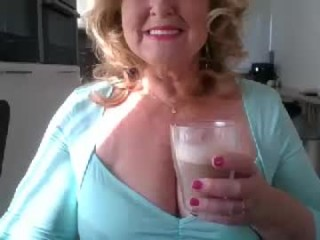 perfectladyorg has an ohmibod that she uses while she's wearing her skimpiest bra for you