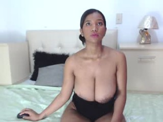 thalianav  webcam sex