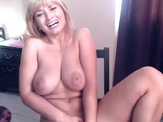 hotaliesia69  webcam sex