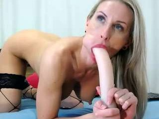 miss_x_ broadcast giving a sloppy, deep blowjob during one of amazing cum shows