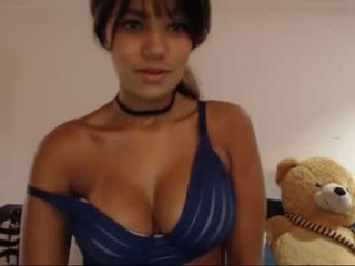 angie_mcqueen  webcam sex