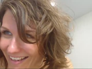 lady_ada  webcam sex