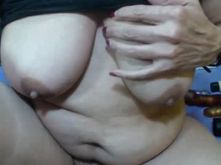 anne_bunny broadcast masturbation sessions with leaking pussy and tight asshole being in the spotlight