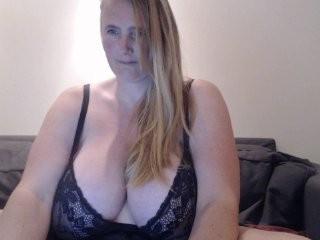 xxnikkie  webcam sex