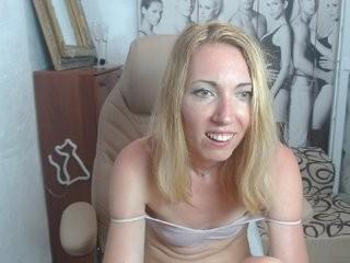 laramila  webcam sex