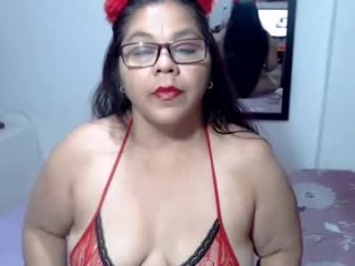 hellen_sweet77 has an ohmibod that lets you control her orgasms while she's shamelessly masturbating