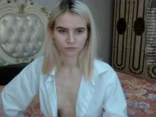 school_queen  webcam sex
