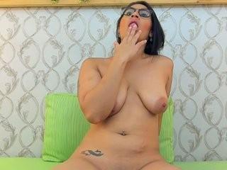 lucianaroldan  webcam sex