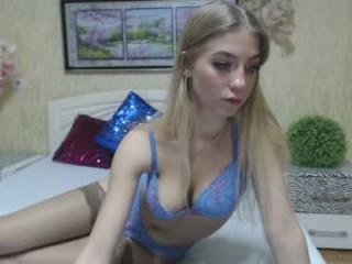 megaablondee  webcam sex
