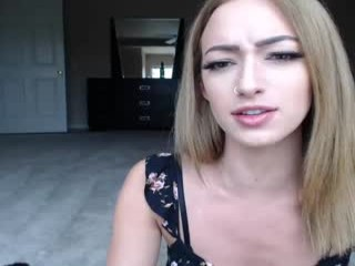 miss_bee broadcast cum shows featuring this hottie shamelessly getting an incredible orgasm