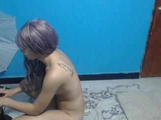 lovelywoman03  webcam sex