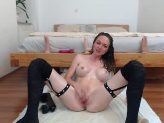 nikkimaze  webcam sex