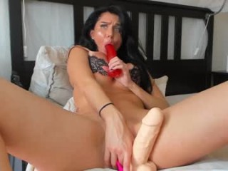 aastarta broadcast blowjob sessions with sucking massive cocks and even bigger dildo toys