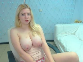 blondiebetsy  webcam sex