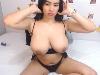charlote_98 broadcast cum shows featuring this hottie shamelessly getting an incredible orgasm
