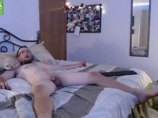 bubba_v broadcast cum shows featuring this hottie shamelessly getting an incredible orgasm