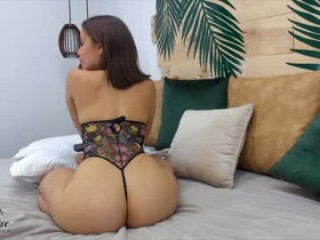 maria_paulina broadcast anal play sessions featuring tight little anal hole getting stretched out to the limit