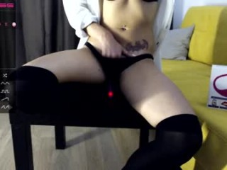 bomb_sex has an amazing set of big tits and her awesome ass looks amazing and fuckable