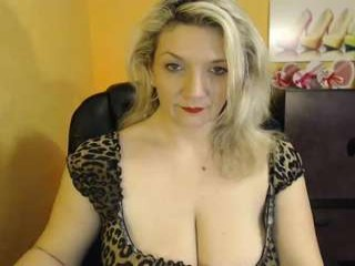 sandybigboobs  webcam sex